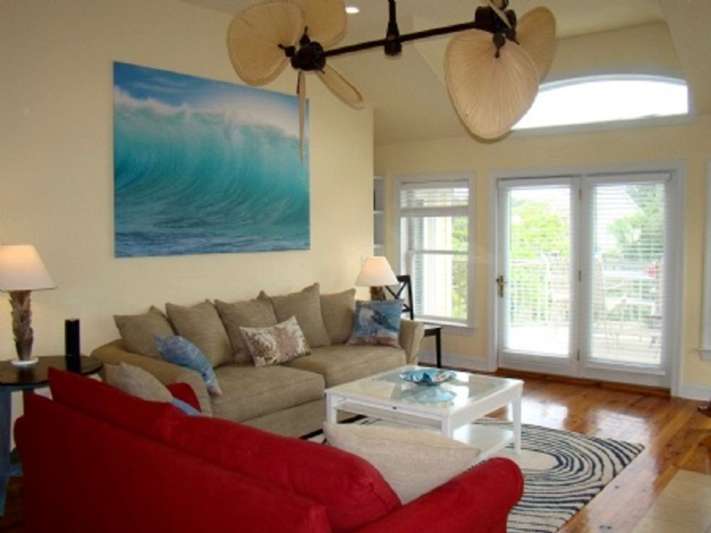 Super Comfy Couches bottoms up! 784 steps to beach, 5 min walk  - vrbo