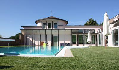 Photo for Villa bright and quiet 45 'from the center of Rome, private pool exclusively