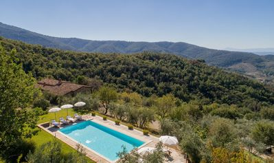 Photo for 5BR Villa Vacation Rental in Castiglion Fiorentino, Arezzo