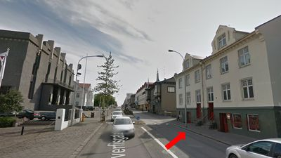 Top location! The apartment street view.