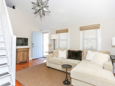 Photo for Airy East End Cottage