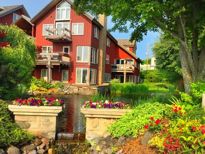 In the Heart of Suttons Bay - 2bdr/2bth Condo with Free WiFi - Walk Everywhere