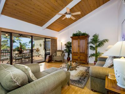 Photo for 5-STAR KONA COAST RESORT 2 bedr/2 bath Top Floor, AC, Beautifully Decorated!