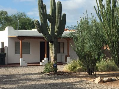 Central Tucson Charmer Near U Of A, Entire Home With Plenty Of Outdoor Area
