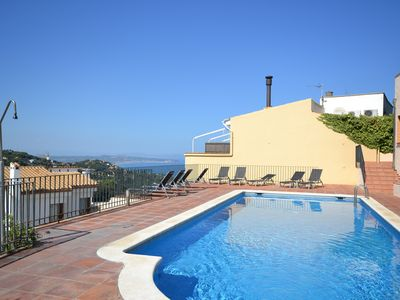 Photo for Charming Apartment with Pool in the Center of Begur