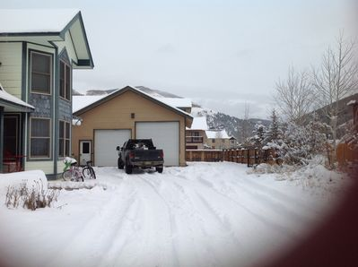 Driveway fits up to 6 cars.  a small trailer, camper, dirtbikes, or snowmobiles.