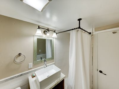 Photo for Renovated double queen apartment on first floor
