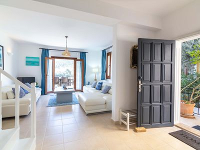 Photo for Charming spacious 2 bedroom villa, stunning roof terrace and large shared pool