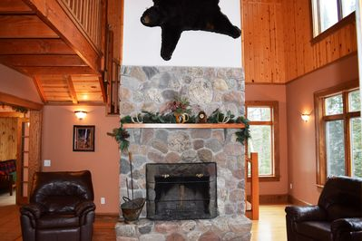 Handcrafted Split Stone Fireplace (Woodburning) Cozy Living Room W/Lake Views!