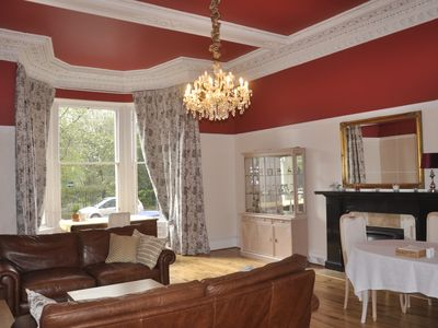 Photo for Stylish & Spacious City Centre 2 bedroom aparment