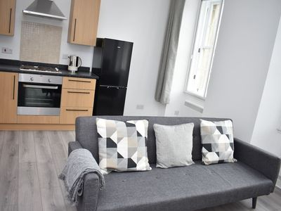 Photo for Modern & bright 1 bed for 4 close to city centre!