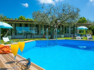 Photo for One bedroom Villa, sleeps 2 with Pool, Air Con, FREE WiFi and Walk to Shops