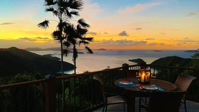SEAclusion sunset dining!