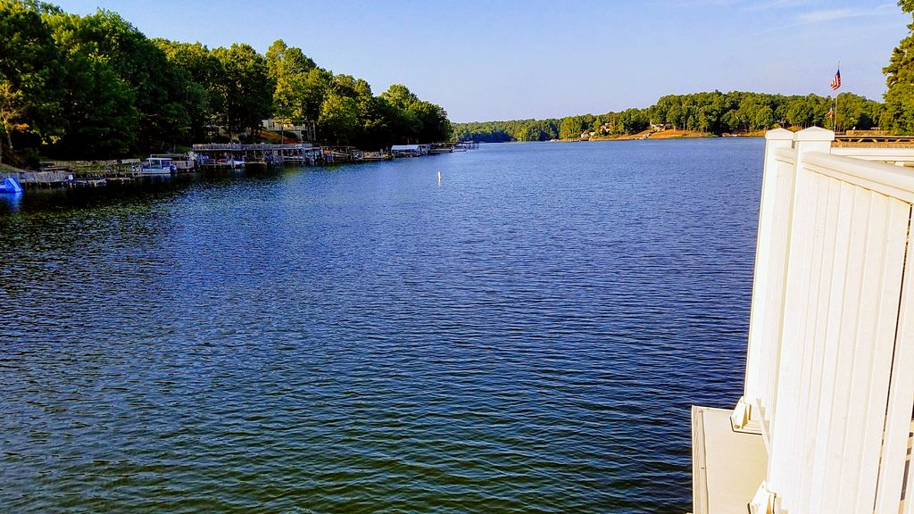 Great new summer deals now stunning lakefront retreat for Quiet waters retreat