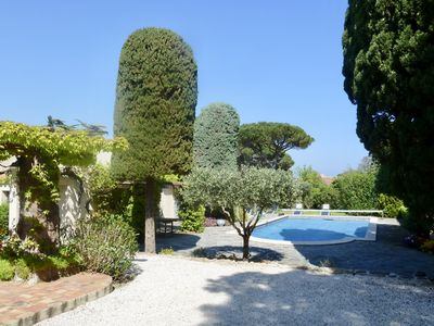 Photo for Charming farmhouse in a 5000m2 field, private swimming pool, beach 200m away