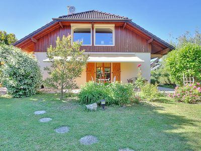 Photo for RARE: family house 400 m from the lake and 20 km from the Revard slopes