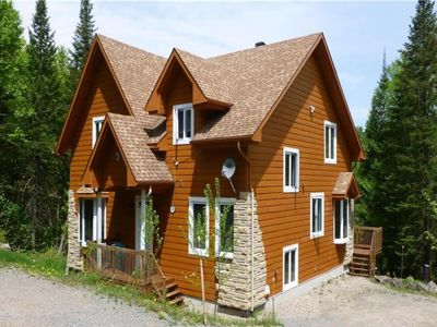 Photo for Luxurious Cottage on the shore of Lake Cornu