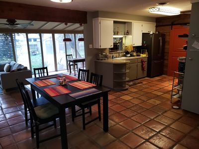 Photo for Charming 3 Bedroom with Sunroom - close to DT!