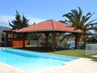 Photo for Rent low of villa. The feet in water !! 30 m from the sea. Rental 8 pers.