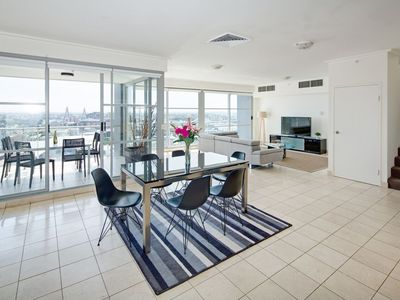 Photo for 3BR Penthouse Darling Harbour View