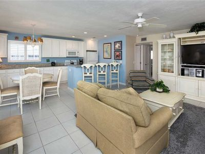 Photo for Unit L5: 2 BR / 2 BA partial gulf view in Sanibel, Sleeps 6