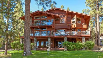 Photo for 5300 sq ft on the lake, Boat Dock, Beach volleyball, Vacation lifestyle design