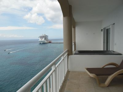 Photo for El Cantil CHOCOLATE - Ocean Front Two Bedrooms Penthouse