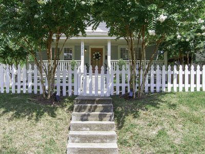Photo for DOWNTOWN HOME ✤ 2BR - 1.5BATH ✤ MINS TO DOWNTOWN