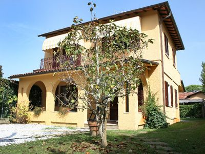 Photo for 3 bedroom Villa, sleeps 6 in Forte dei Marmi with Air Con and WiFi