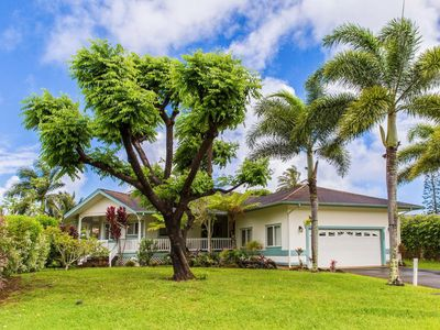 Photo for Lush oasis w/yard & lanai - close to beaches, perfect for families