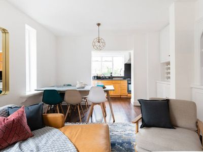 Photo for The River Thames Retreat - 3BDR Apartment in Fulham with Garden