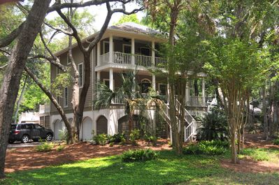 Southern Style 4BR Home on Secluded Dead End Street