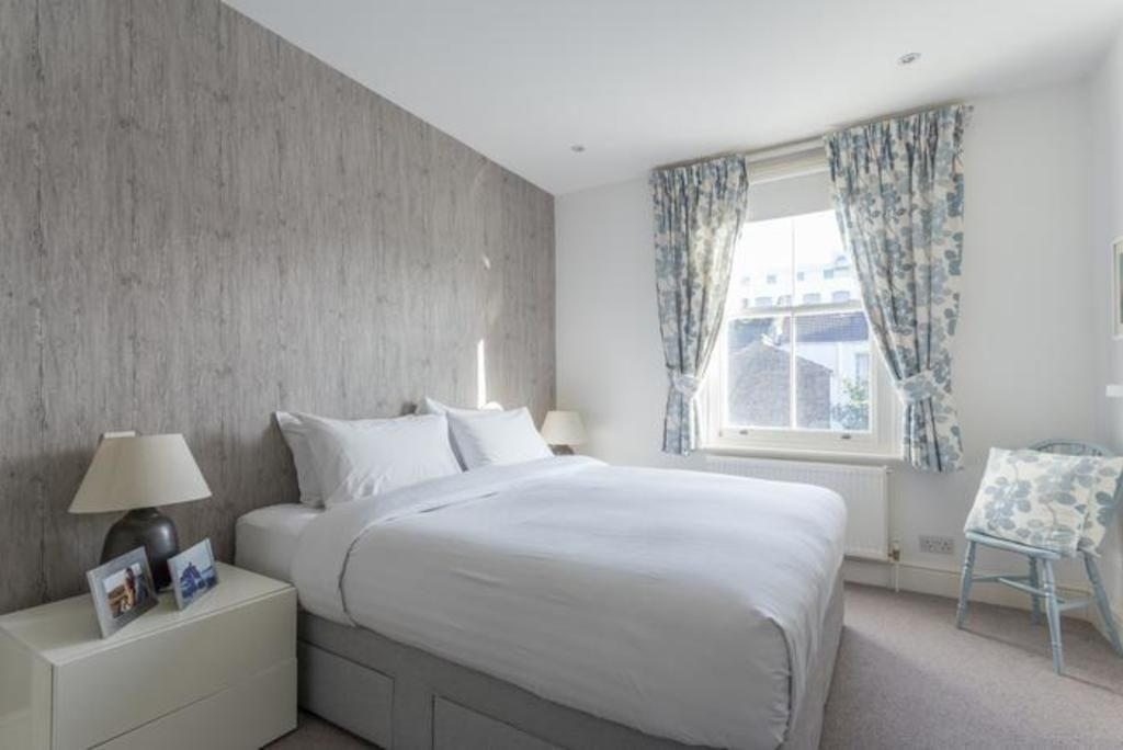 London Home 643, The Ultimate 5 Star Holiday Home in London, England - Studio Villa, Sleeps 6