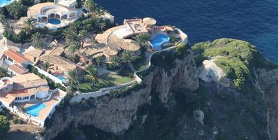 Photo for Luxury 5-star villa with guest house, 2 outdoor pools and 1 indoor pool
