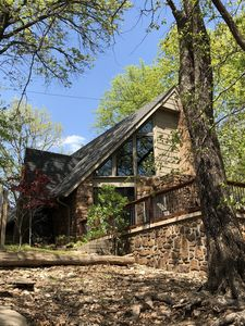Hideaway on Hudson is an Executive rental property on beautiful Lake Hudson