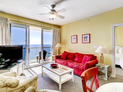 Photo for Cozy, 21st-floor condo boasting breathtaking Gulf front views plus shared pools!