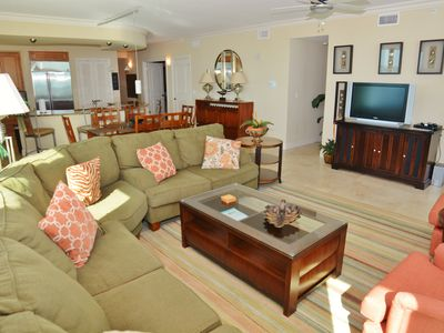 Photo for Mustique 1401   Waterfront 4BD/4BA   Perfect Views Everywhere   Huge Unit
