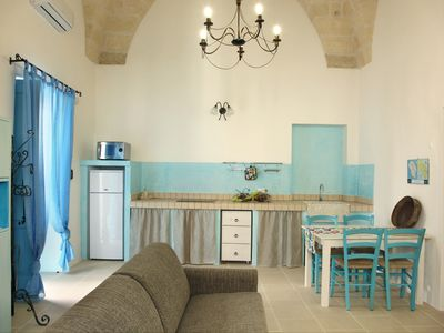 Photo for THE COURT OF COLORS Residence with swimming pool, parking, garden and free WI FI