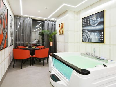 Photo for Luxury Room with Jacuzzi