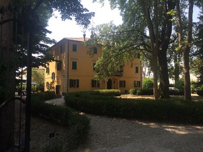 Photo for Villa Gioia immersed in the quiet countryside of Bologna