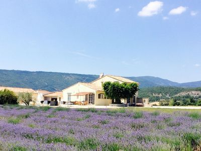Photo for Luxury villa with a tennis court, pool and a sauna at the foot of Mont-Ventoux!