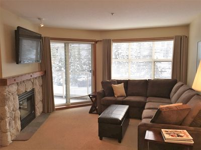 Photo for Aspens, Prime Ski-in/ski-out, Renovated 1 Bdrm+,AC, Free Wifi, Pool & 3 Hot Tubs
