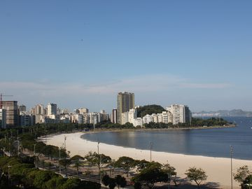Excellent Conjugation on the beach of Botafogo / Flamengo
