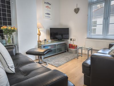 Photo for THE HIDEAWAY, pet friendly, with a garden in Dartmouth, Ref 995494