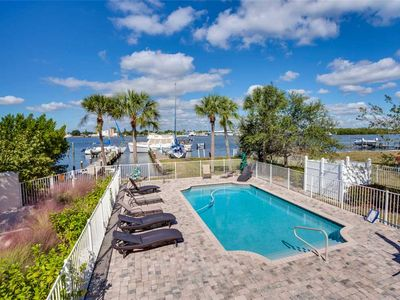 Photo for Delmar Dolphin,  3 Bedrooms, Sleeps 7, Bay Front, Pool, Elevator, WiFi,