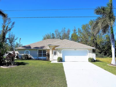 Photo for Freshwater Canal Vacation Home in Quiet Area of Cape Coral!