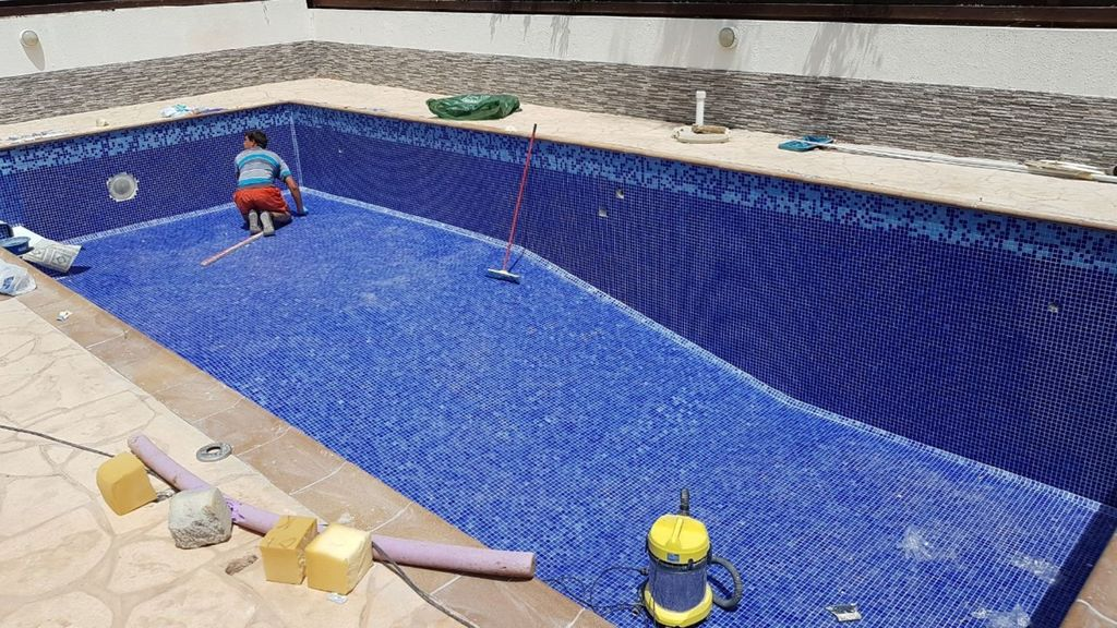 Blue River 5* Luxury Villa, new tiled 10 metre swimming pool from May 18