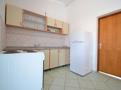 Photo for Apartment Antun in Pag/Povljana - 4 persons, 2 bedrooms
