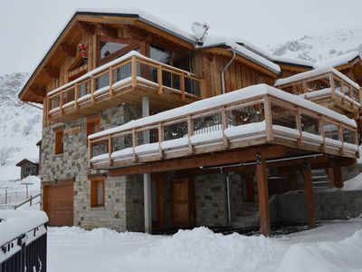 Photo for Charming apartment in a mountain chalet near the slopes, Jacuzzi