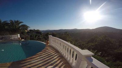 Photo for VILLA 135m2 infinity pool with stunning views